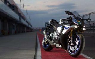 Новый 2020 год: Yamaha YZF-R1 и YZF-R1M