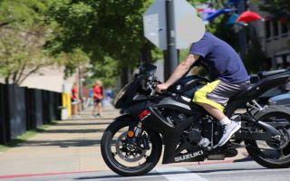 Стоит ли надевать мотоциклетную одежду в короткие поездки?