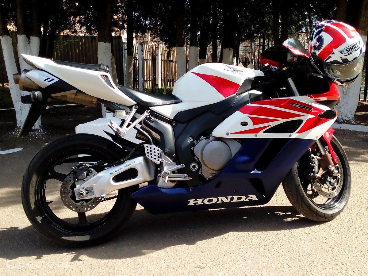Honda CBR1000RR, фото