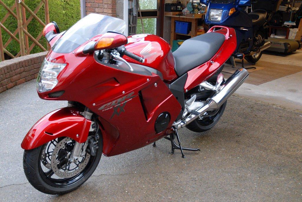 Honda CBR 1100, фото