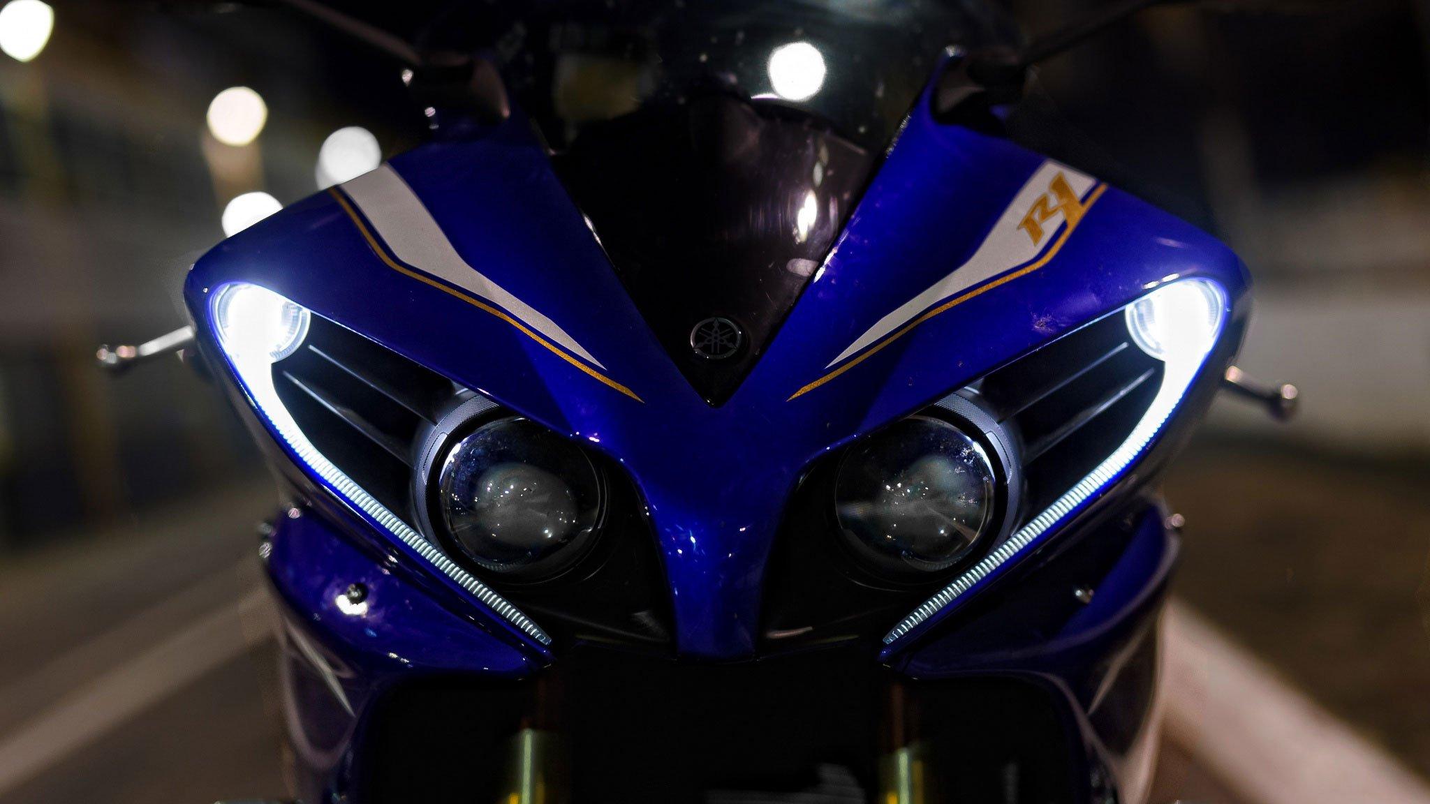 Yamaha R1, фото