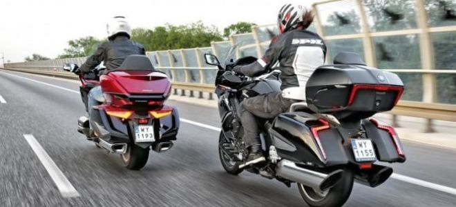 Тест на туризм – BMW K 1600 Grand America против Honda GL 1800 Gold Wing
