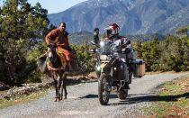 Езда на мотоцикле по щебню и гравию – что нужно знать.