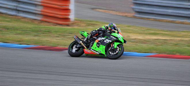 Мотоциклы Kawasaki – зеленый символ силы и скорости