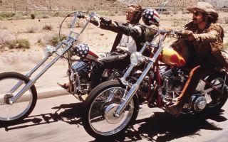 «Капитан Америка», «Билли байк», «Черная смерть» и другая классика. Самые известные мотоциклы в кино