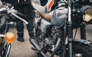 Как часто вы смазываете цепь на мотоцикле?