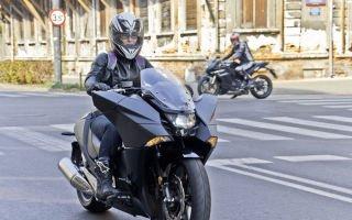 Тест Honda NM4 Vultus – черное превосходство!