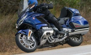 Gold Wing Tour DCT GL1800 – крейсер от Honda