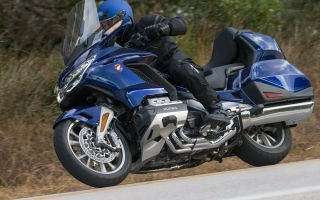 Gold Wing Tour DCT GL1800 — крейсер от Honda