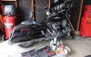 Зачем использовать синтетическое масло для мотоциклов?