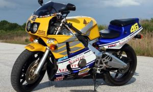 Мотоцикл Honda CBR 400 и его характеристики