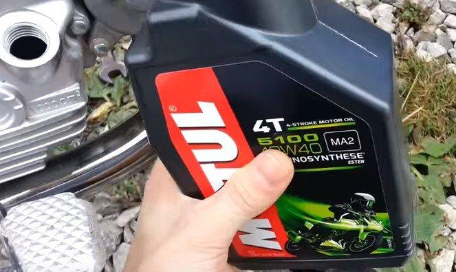 масло в двигателе мотоцикла