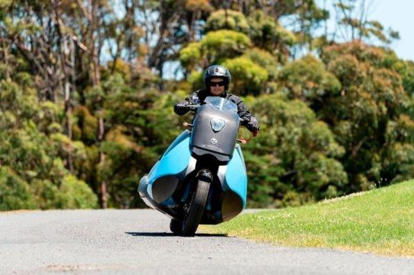 Мотоцикл амфибия в движении