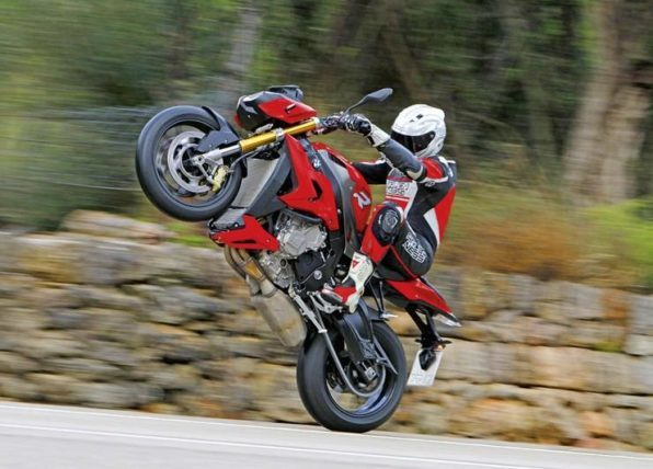Мотоцикл BMW S1000 R