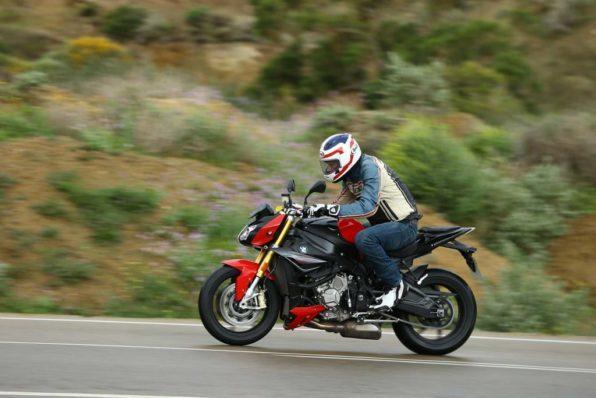 Мотоцикл в движении