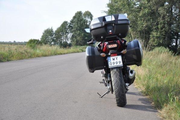 Мотоцикл вид сзади