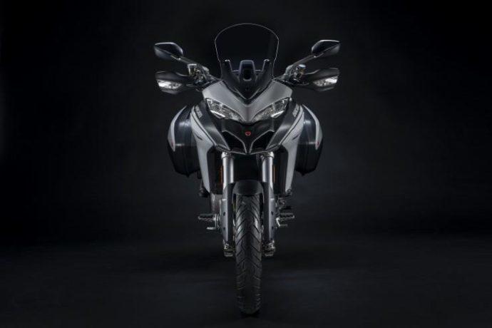 Мотоцикл вид спереди