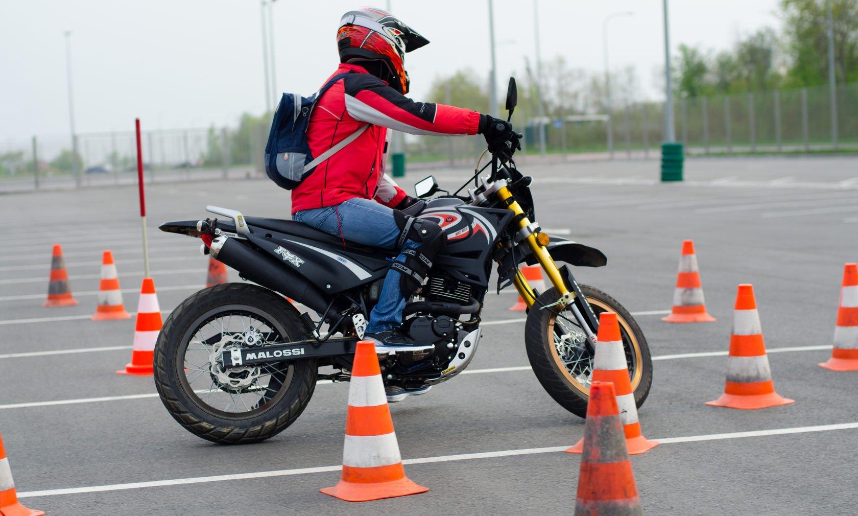 Как выбирать школу вождения мотоцикла