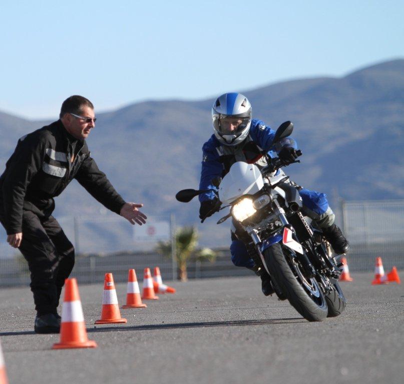 курс вождения на мотоцикле